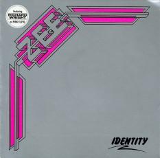 Zee grubunun Identity albüm görseli